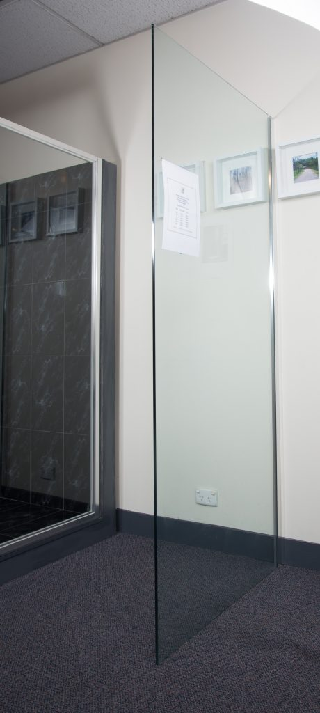 Frameless Fixed Panel